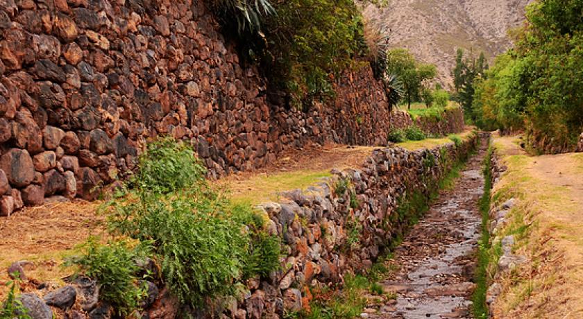 Caminata Terrazas de Yucay